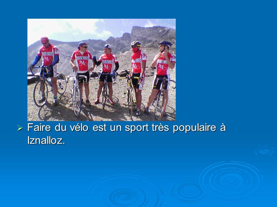 Faire du vélo est un sport très populaire à Iznalloz. Faire du vélo est un sport très populaire à Iznalloz.