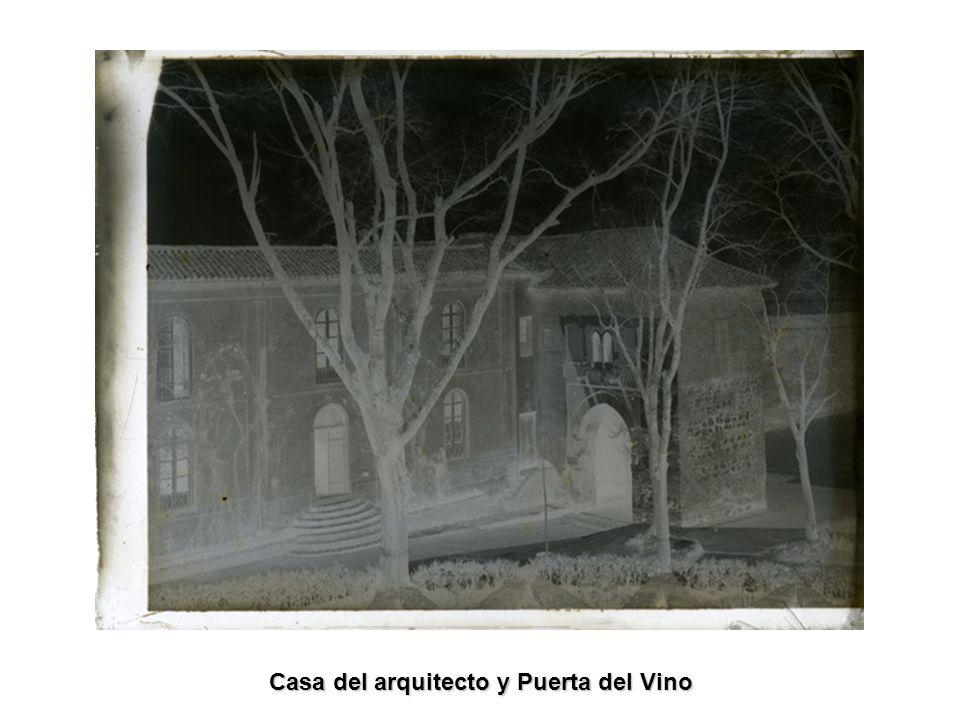 Casa del arquitecto y Puerta del Vino