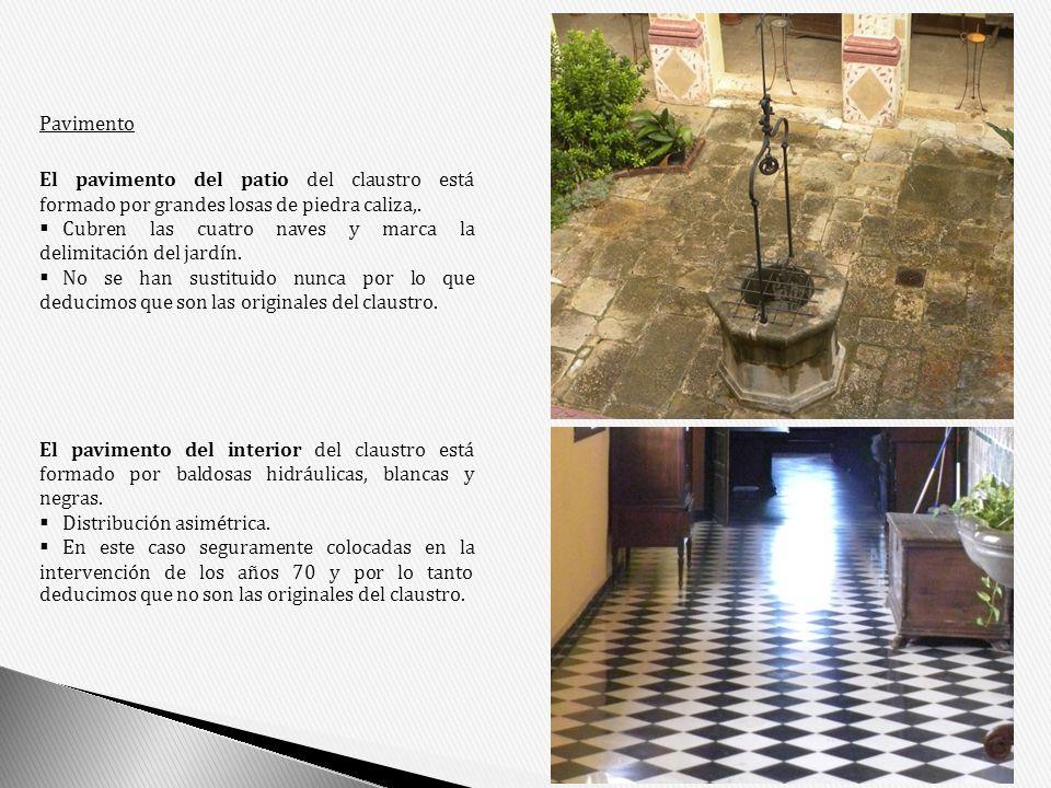 Pavimento El pavimento del patio del claustro está formado por grandes losas de piedra caliza,. Cubren las cuatro naves y marca la delimitación del ja