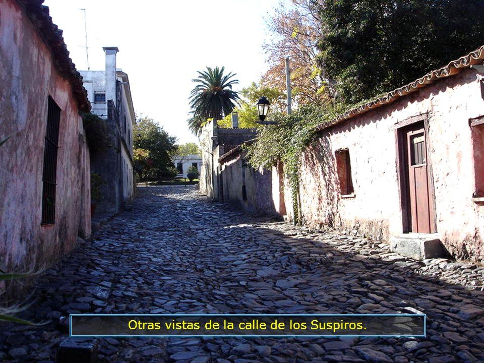 Calle de los Suspiros, típica calle portuguesa.