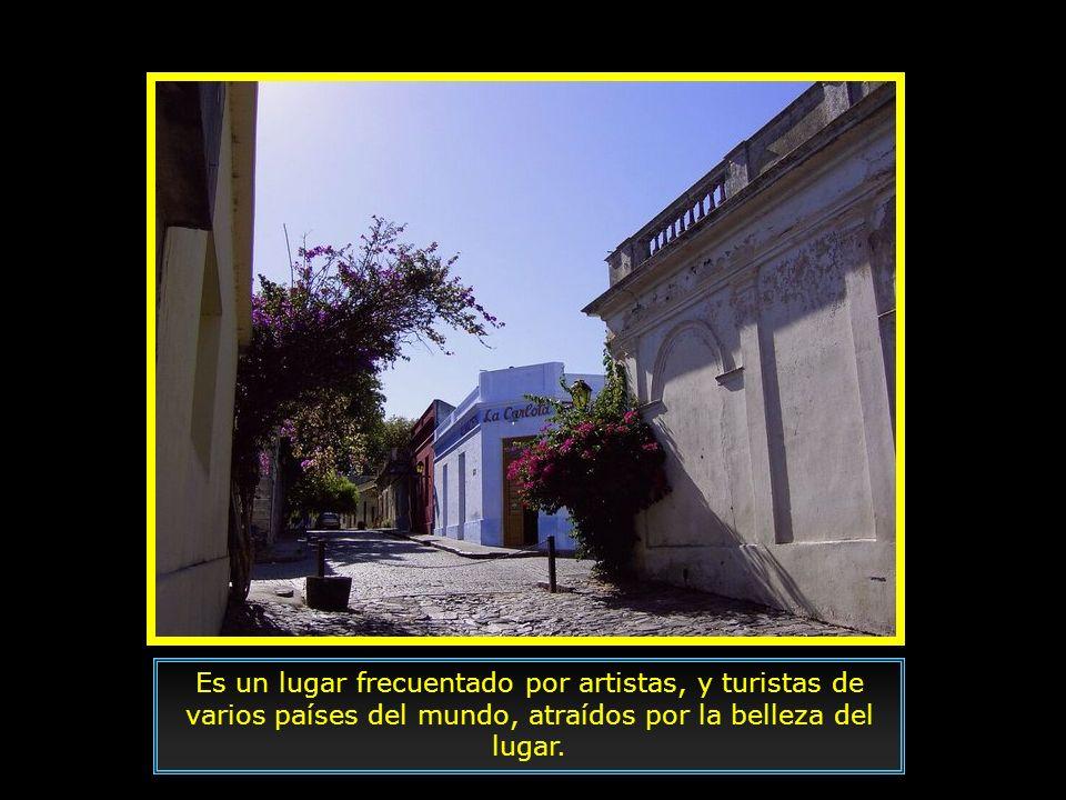 Está localizada a 177 km de Montevideo y a 45 km de Buenos Aires. En 1995 fue declarada por la UNESCO patrimonio histórico y cultural de la humanidad.