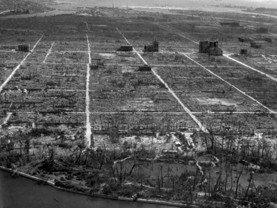 LA DESTRUCCIÓN DE LA QUE HA DISFRUTADO EL SER HUMANO A LO LARGO DE LA HISTORIA Muchísimos más somos los que intentamos levantar, construir, aupar, ani