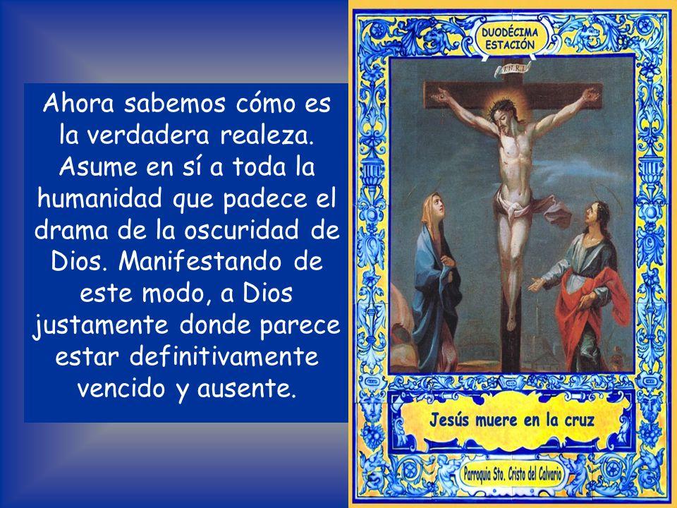 Desde la cruz, Él triunfa siempre de nuevo. Jesús es verdaderamente el rey del mundo. Él ha cumplido radicalmente el mandamiento del amor, ha cumplido