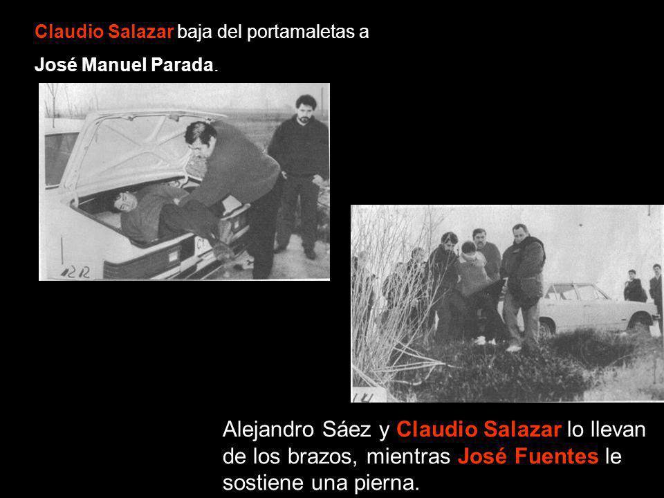 Claudio Salazar baja del portamaletas a José Manuel Parada. Alejandro Sáez y Claudio Salazar lo llevan de los brazos, mientras José Fuentes le sostien