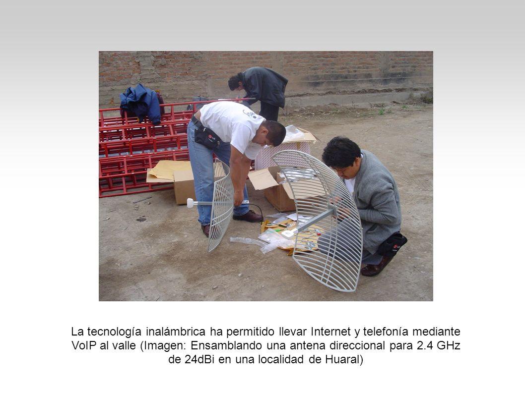 La tecnología inalámbrica ha permitido llevar Internet y telefonía mediante VoIP al valle (Imagen: Ensamblando una antena direccional para 2.4 GHz de