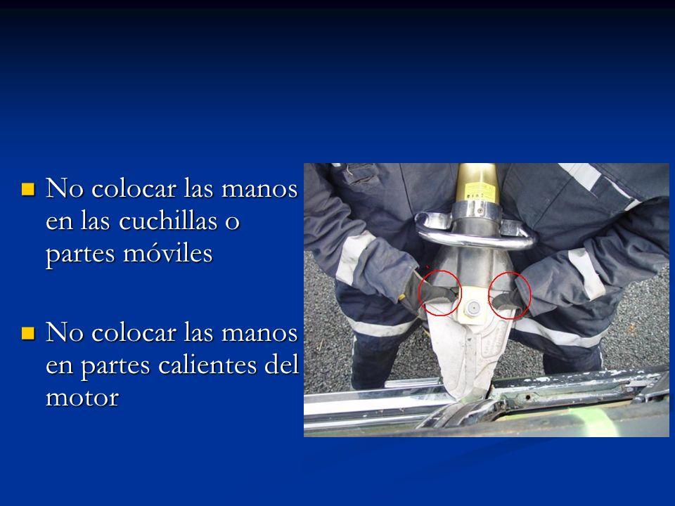 No colocarse entre el vehículo y la herramienta (línea de trabajo) *La herramienta tiende a girarse al acomodarse en las estructuras*