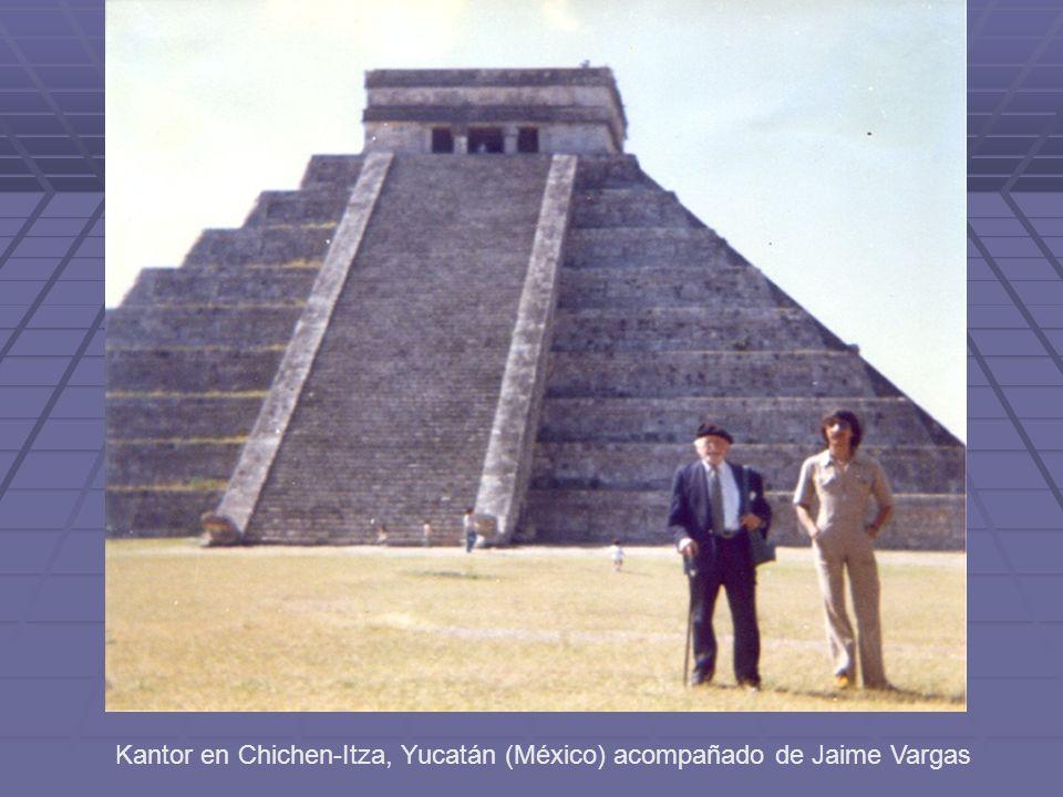 Kantor en Chichen-Itza, Yucatán (México) acompañado de Jaime Vargas