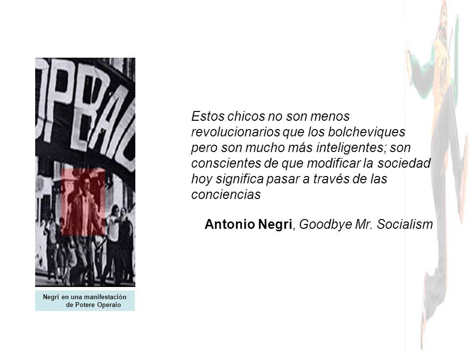 La gran aportación de los desobedientes: afrontar la batalla de la comunicación política desde identidades no nacionales Invisibles Madrid Ningún ser humano es ilegal Pancarta de los tute bianche recibiendo al EZLN en el DF