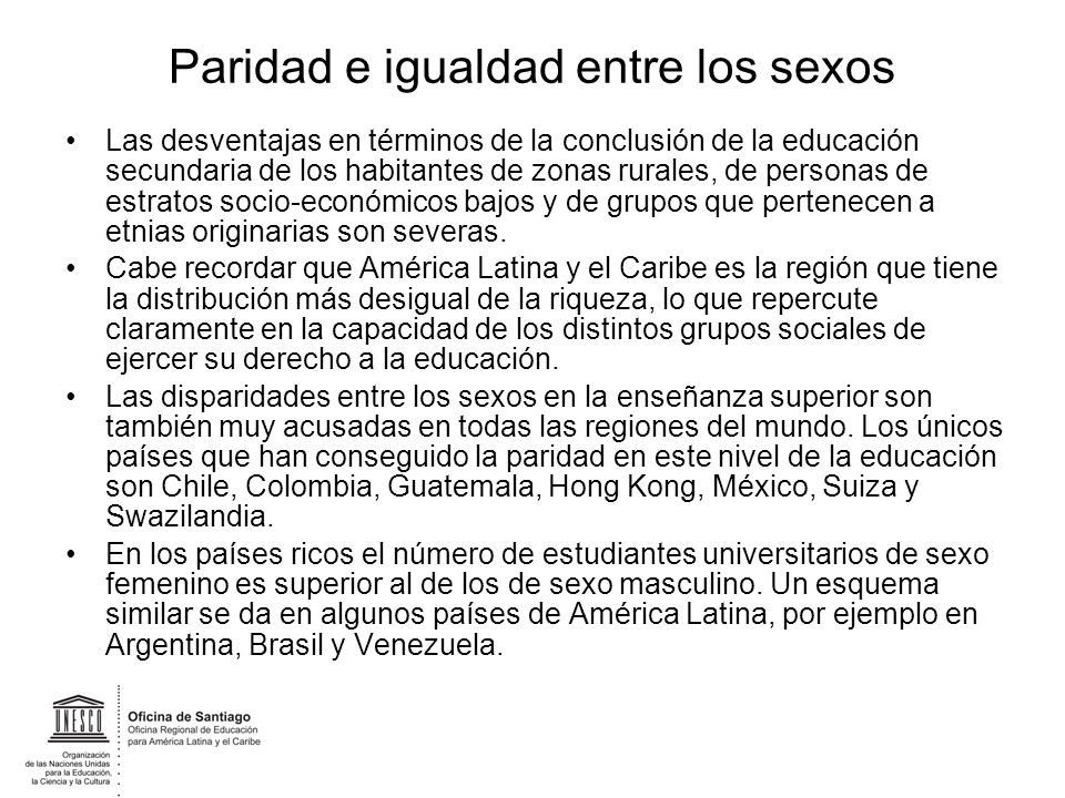 Paridad e igualdad entre los sexos Las desventajas en términos de la conclusión de la educación secundaria de los habitantes de zonas rurales, de pers