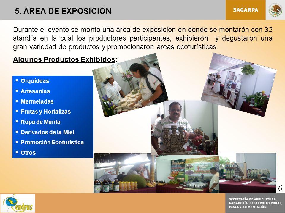 Durante el evento se monto una área de exposición en donde se montarón con 32 stand´s en la cual los productores participantes, exhibieron y degustaro