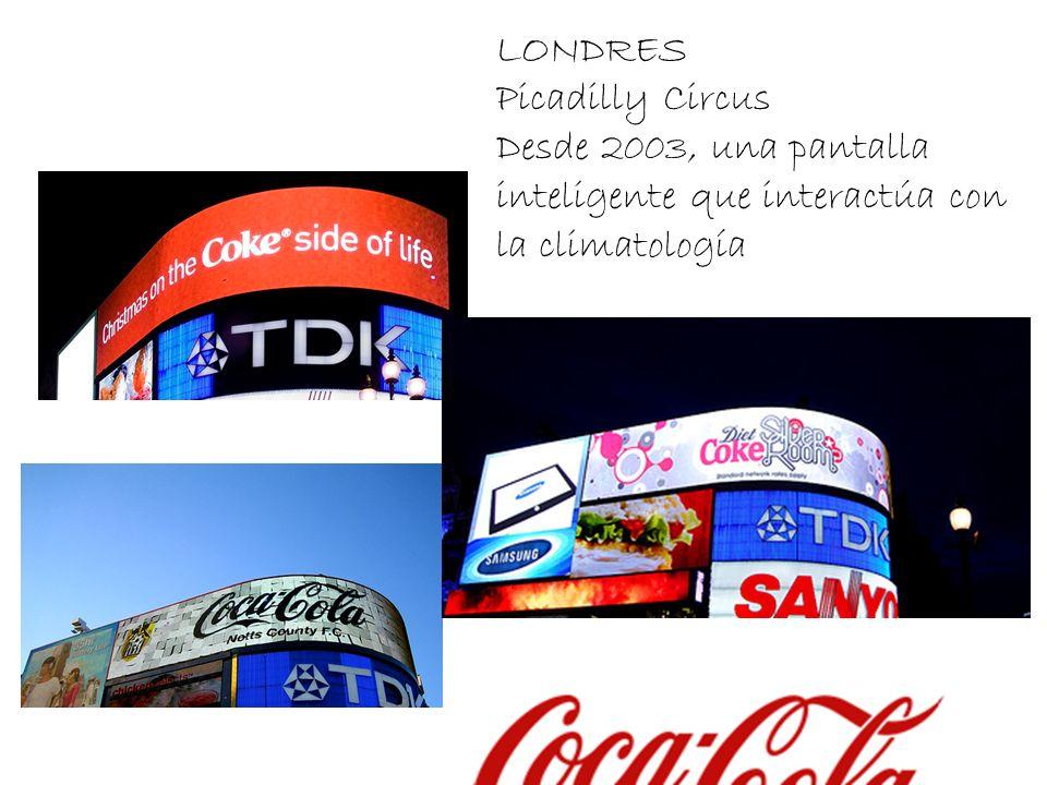 LONDRES Picadilly Circus Desde 2003, una pantalla inteligente que interactúa con la climatología