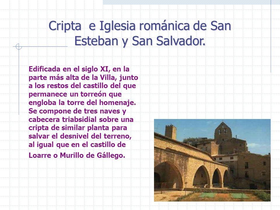 Edificada en el siglo XI, en la parte más alta de la Villa, junto a los restos del castillo del que permanece un torreón que engloba la torre del home