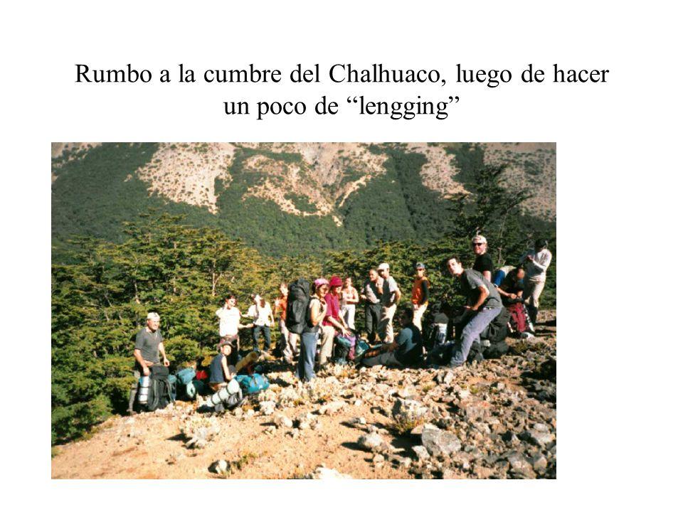 Rumbo a la cumbre del Chalhuaco, luego de hacer un poco de lengging