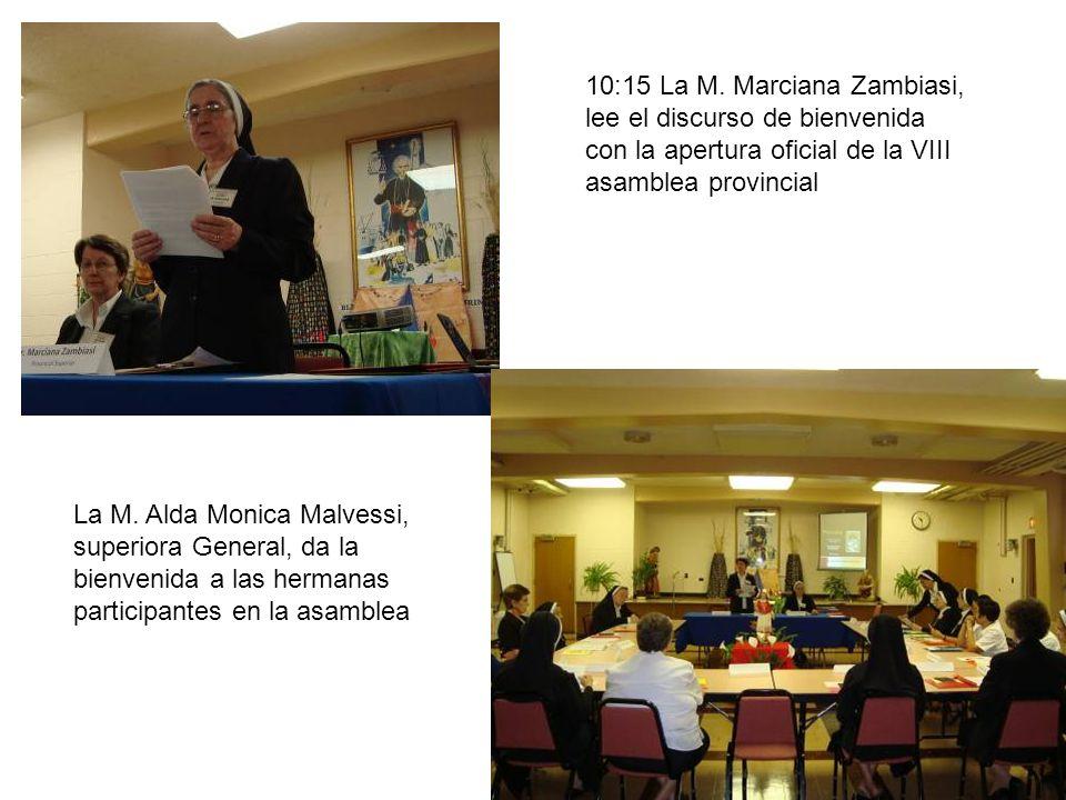 10:45 se da inicio la primera conferencia, sobre la Vida y misión de San Carlos Borromeo, compartida por el P.