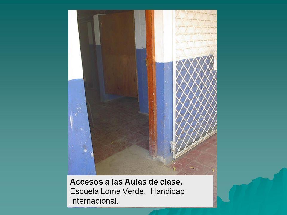 Zanjas cubiertas con losetas. Escuela Rubén Darío. Handicap Internacional.