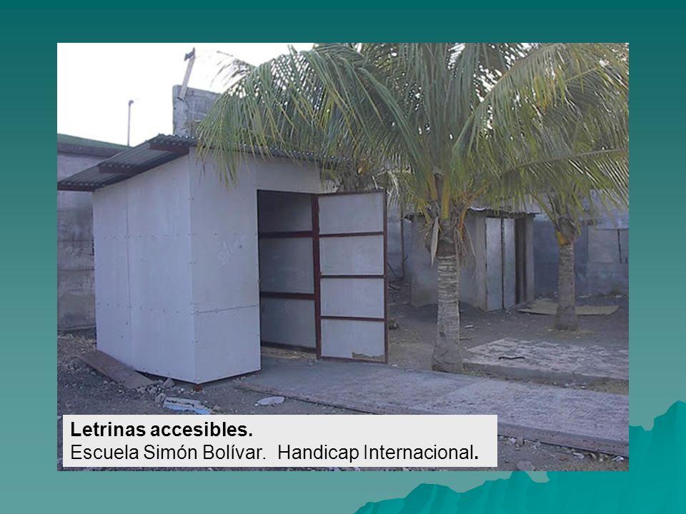 Rampas en circulaciones. Escuela Las Maderas. Handicap Internacional.