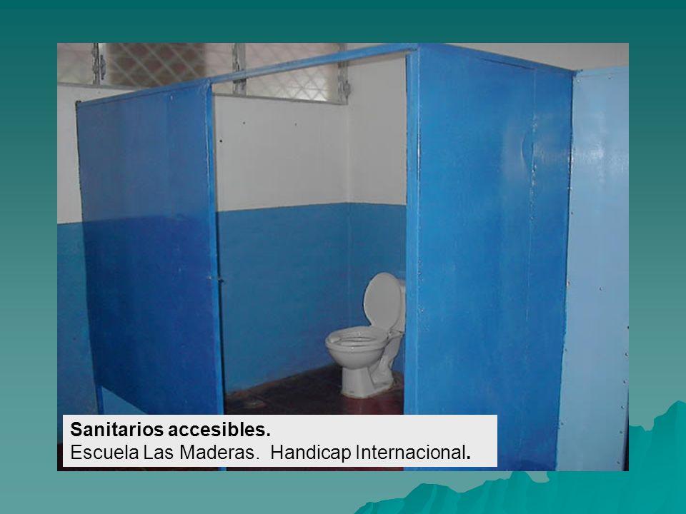 Sanitarios accesibles. Escuela Las Maderas. Handicap Internacional.