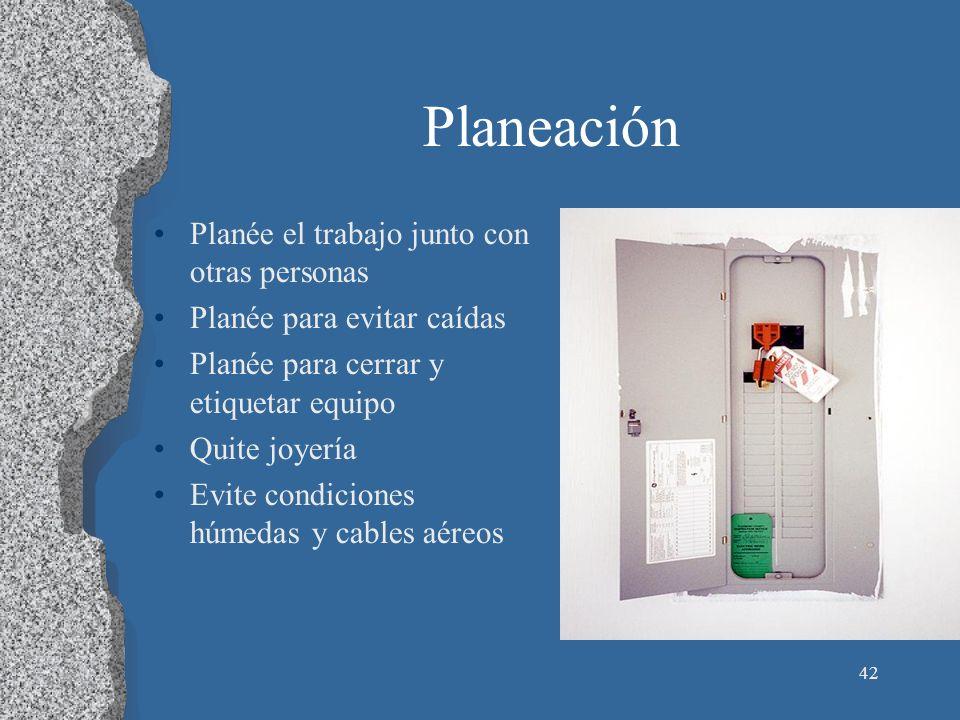 43 Evite Condiciones Húmedas Insulación, equipo o herramientas dañadas tal vez lo expongan a partes eléctricas bajo tensión.