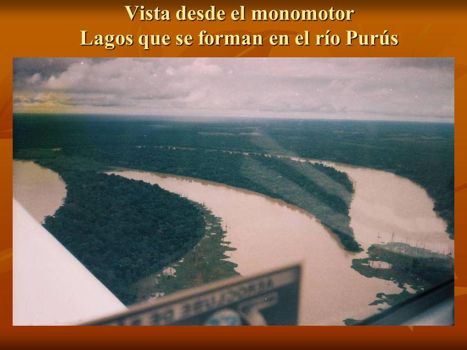 Celebración de la Vigilia Pascual en Santa Fe, rio Purus