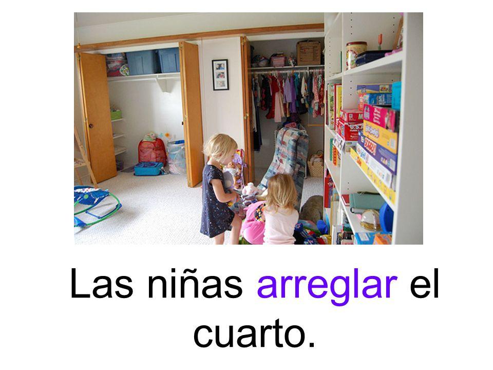 Las niñas arreglar el cuarto.