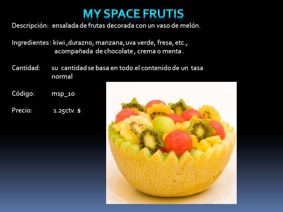 Descripción: ensalada de frutas decorada con un vaso de melón.