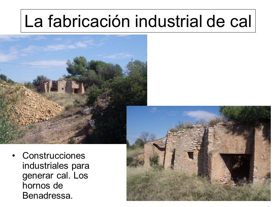 La fabricación industrial de cal Construcciones industriales para generar cal.