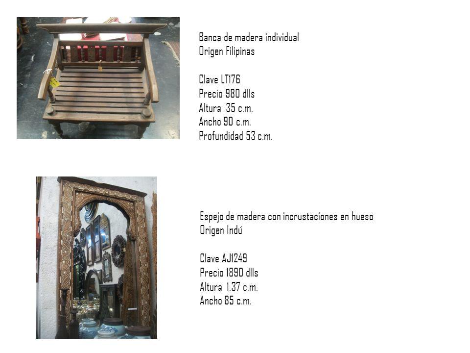 Banca de madera individual Origen Filipinas Clave LT176 Precio 980 dlls Altura 35 c.m.