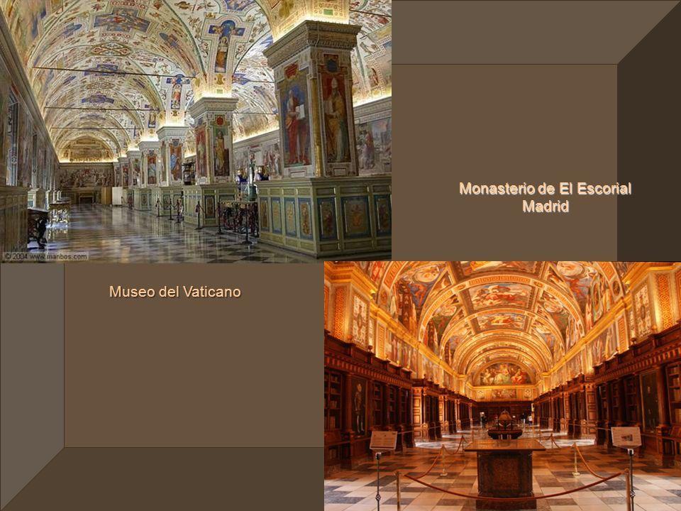 Escalera de Caracol Vaticano Museo del Pueblo Santiago de Compostela