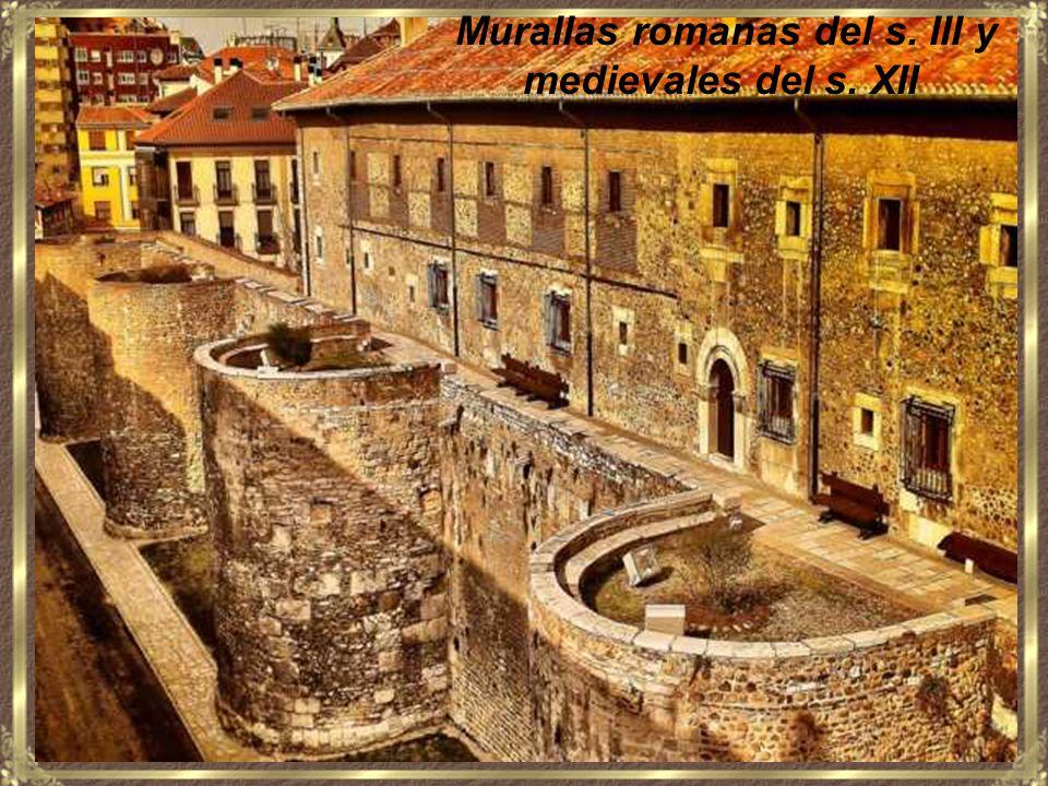 Por formar parte del Camino de Santiago, desde principios del siglo IX, los peregrinos recorren la provincia de León de este a oeste, a pie