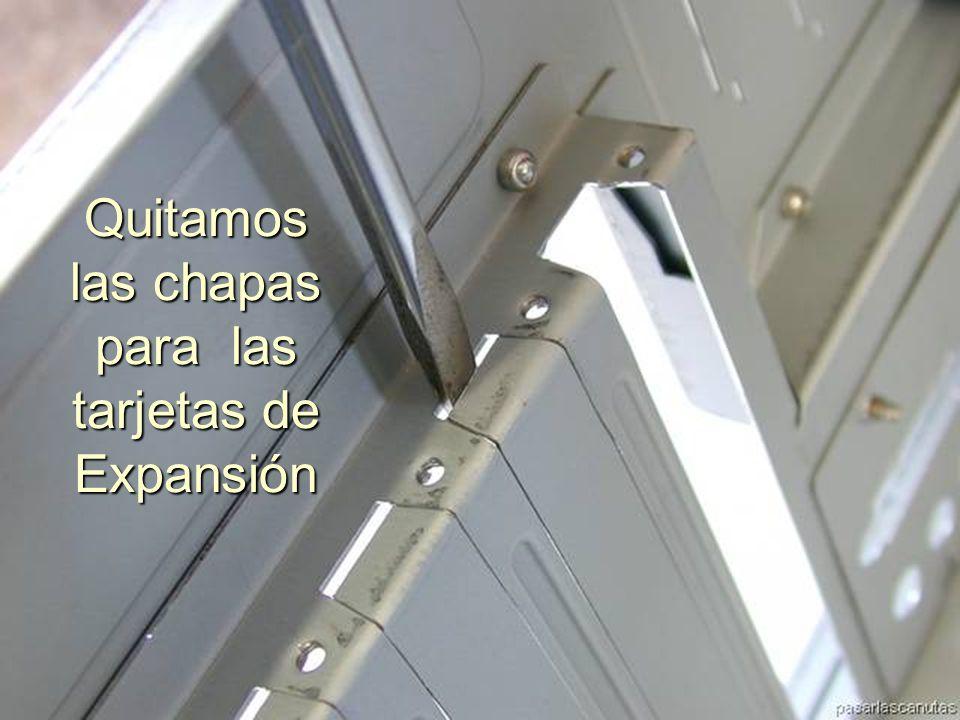 ENSAMBLAJE Y MANTENIMIENTO DE COMPUTADORAS ENSAMBLAJE DE COMPUTADORA UNIVERSIDAD CATOLICA BOLIVIANA SAN PABLO GESTIÓN - 2006 Las tapas Circulares para los puertos de raton y teclado