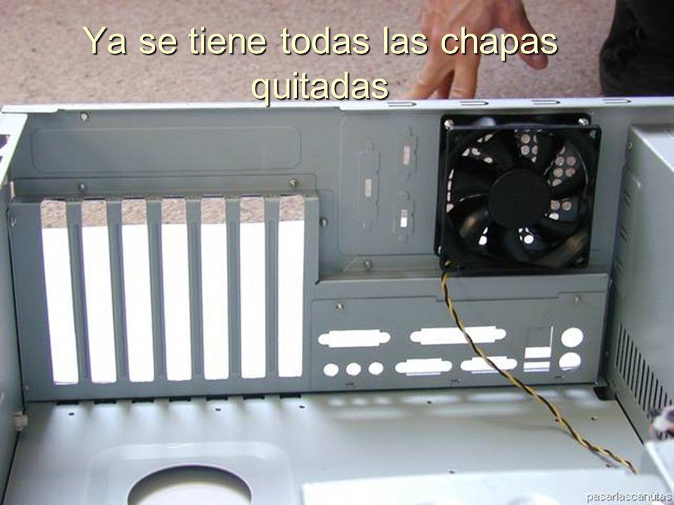 ENSAMBLAJE Y MANTENIMIENTO DE COMPUTADORAS ENSAMBLAJE DE COMPUTADORA UNIVERSIDAD CATOLICA BOLIVIANA SAN PABLO GESTIÓN - 2006 Moviendo la chapa de arriba a bajo