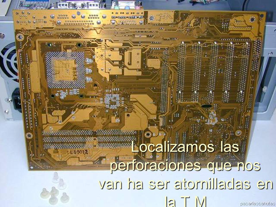 ENSAMBLAJE Y MANTENIMIENTO DE COMPUTADORAS ENSAMBLAJE DE COMPUTADORA UNIVERSIDAD CATOLICA BOLIVIANA SAN PABLO GESTIÓN - 2006 Separadores puestos en el case
