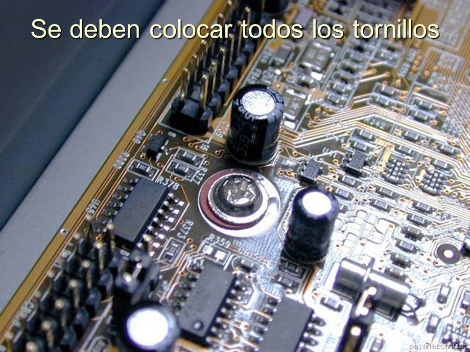 ENSAMBLAJE Y MANTENIMIENTO DE COMPUTADORAS ENSAMBLAJE DE COMPUTADORA UNIVERSIDAD CATOLICA BOLIVIANA SAN PABLO GESTIÓN - 2006 Y atornillamos en cada perforación de la T.M.