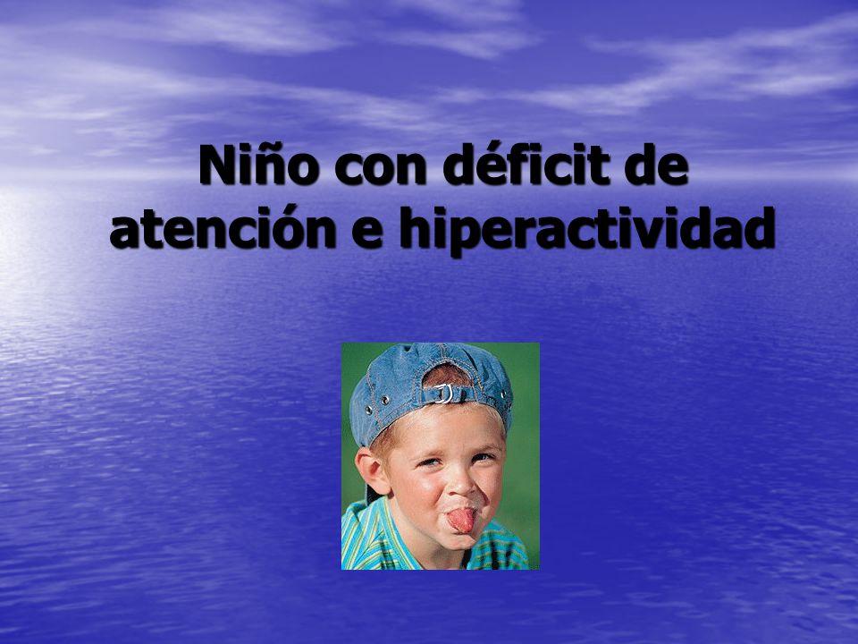 Niño con déficit de atención e hiperactividad