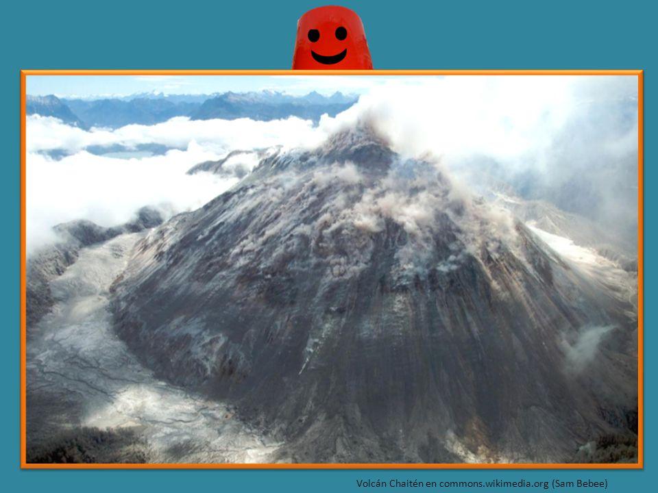 Volcán Chaitén en commons.wikimedia.org (Sam Bebee)