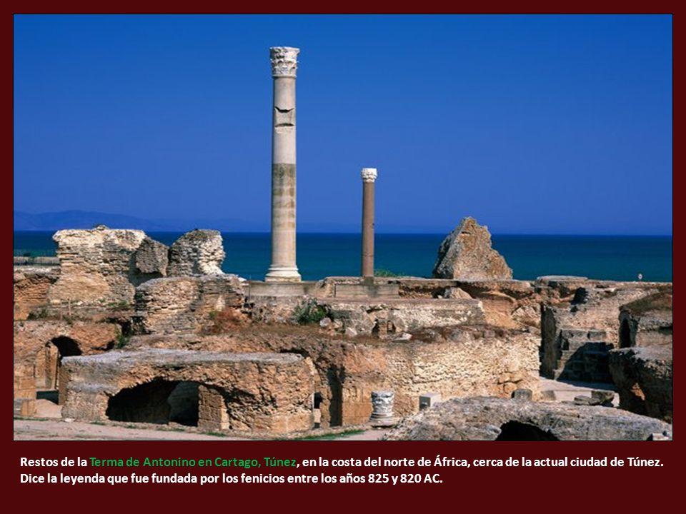 Restos de la Terma de Antonino en Cartago, Túnez, en la costa del norte de África, cerca de la actual ciudad de Túnez.