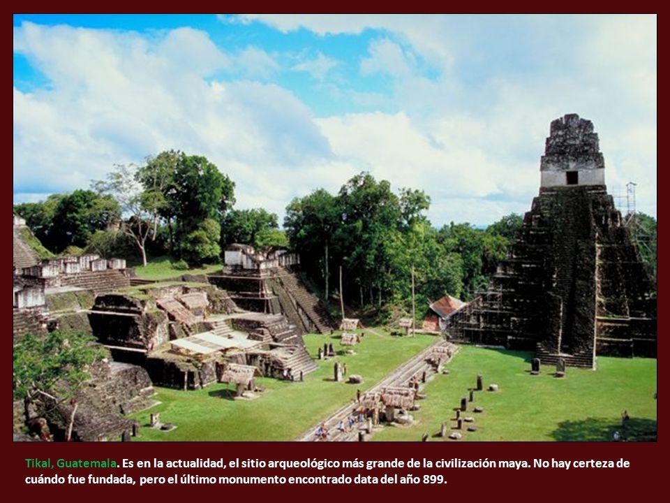 Tikal, Guatemala. Es en la actualidad, el sitio arqueológico más grande de la civilización maya.