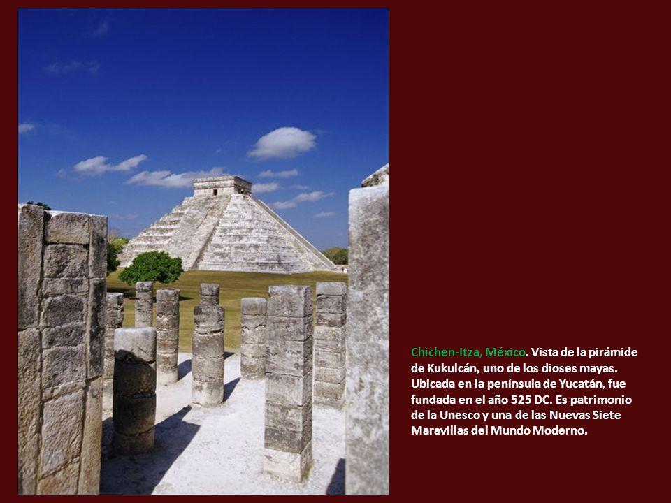 Chichen-Itza, México. Vista de la pirámide de Kukulcán, uno de los dioses mayas.