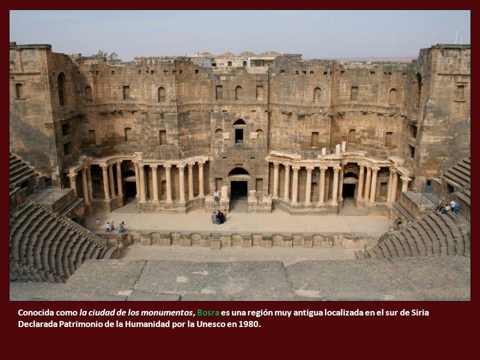 Conocida como la ciudad de los monumentos, Bosra es una región muy antigua localizada en el sur de Siria Declarada Patrimonio de la Humanidad por la Unesco en 1980.