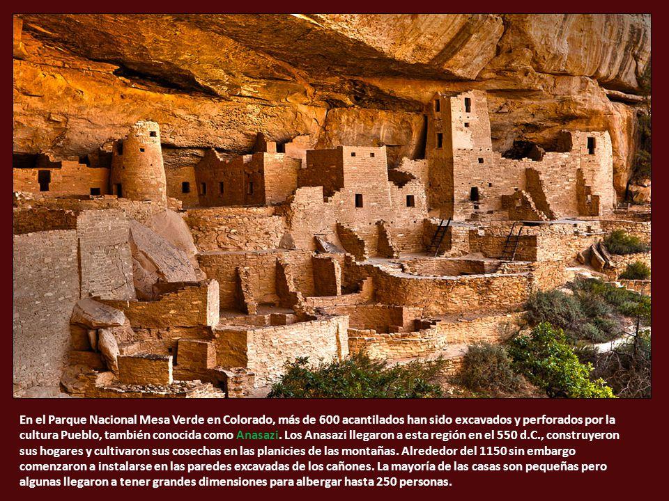 En el Parque Nacional Mesa Verde en Colorado, más de 600 acantilados han sido excavados y perforados por la cultura Pueblo, también conocida como Anasazi.