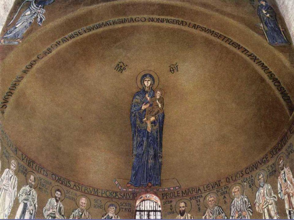 A partir del Concilio de Efeso (431) se representó a la Virgen Madre de Dios (Theotocos) en la cabecera de la Iglesia.