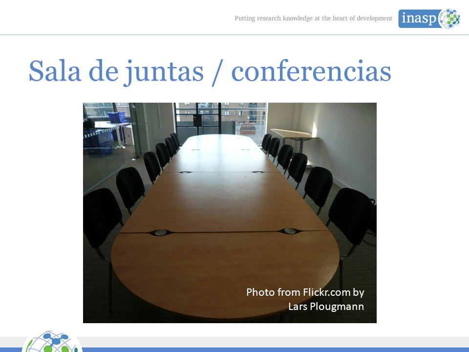 Sala de juntas / conferencias Photo from Flickr.com by Lars Plougmann