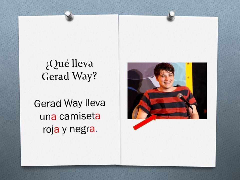¿Qué lleva Gerad Way Gerad Way lleva una camiseta roja y negra.