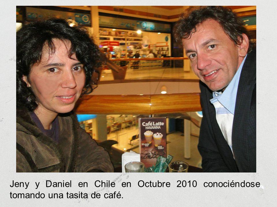 Jeny y Daniel en Chile en Octubre 2010 conociéndose tomando una tasita de café.