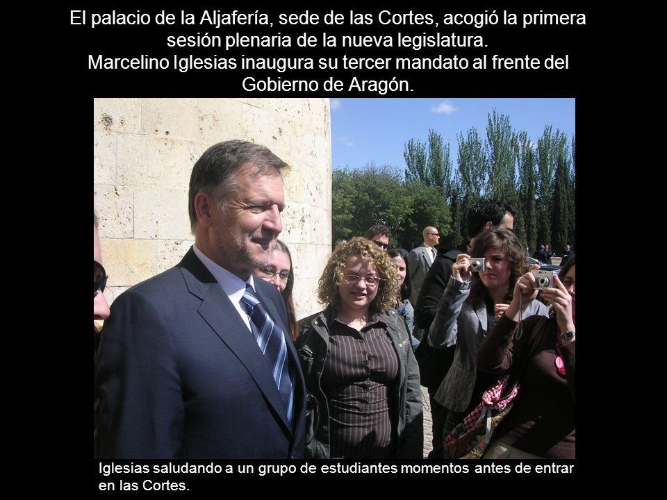 El palacio de la Aljafería, sede de las Cortes, acogió la primera sesión plenaria de la nueva legislatura.