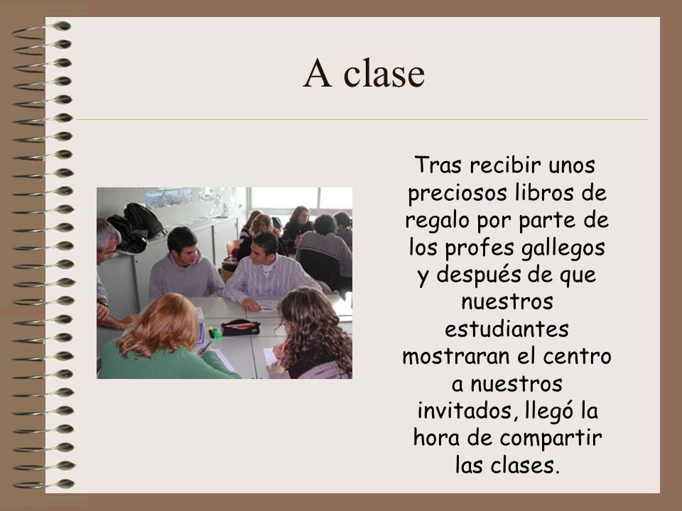 Tras recibir unos preciosos libros de regalo por parte de los profes gallegos y después de que nuestros estudiantes mostraran el centro a nuestros invitados, llegó la hora de compartir las clases.