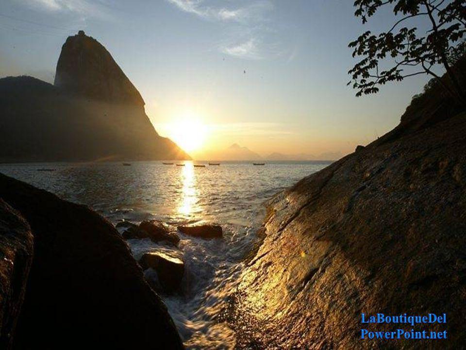 A Cidade do Rio de Janeiro, também conhecida como Cidade Maravilhosa, completa neste domingo, 01 de Março de 2015, 450 anos de existência.