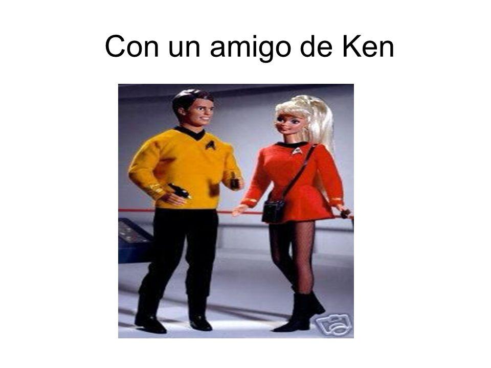 Con un amigo de Ken
