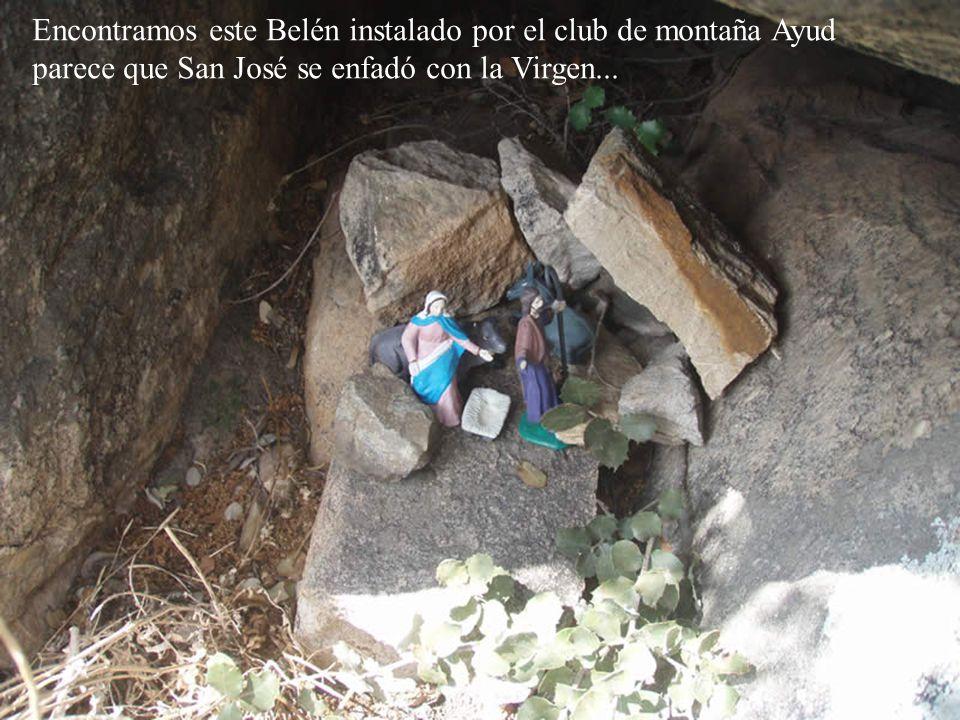 Encontramos este Belén instalado por el club de montaña Ayud parece que San José se enfadó con la Virgen...