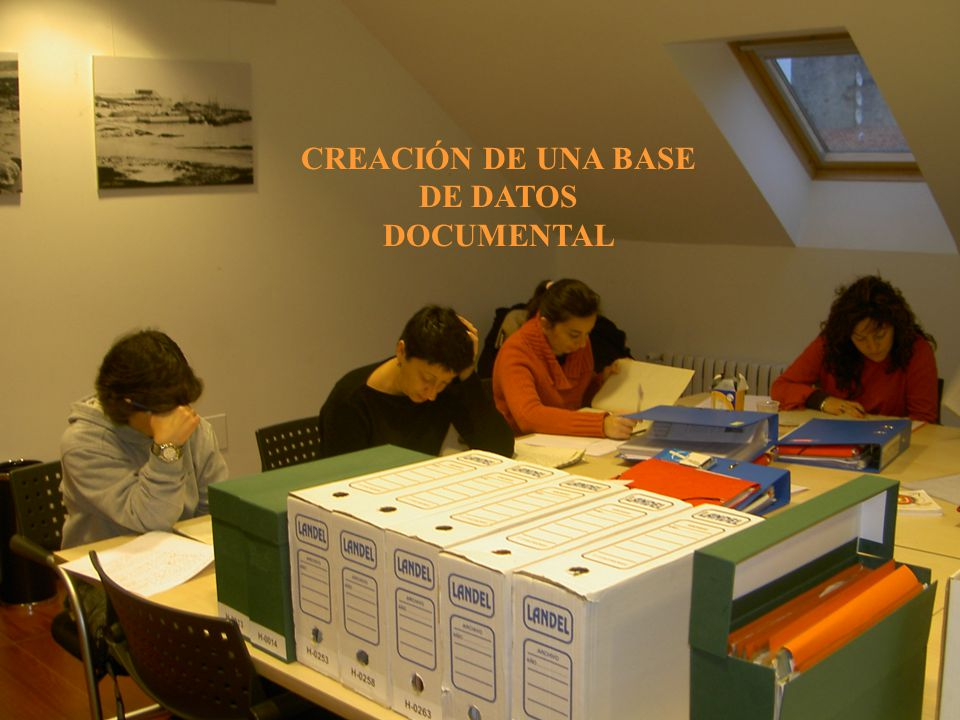 CREACIÓN DE UNA BASE DE DATOS DOCUMENTAL